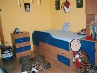 ostatni-nabytek-postel-s-uloznymi-prostory